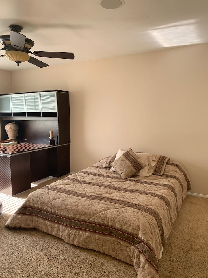 Las Vegas Private Bedroom & Bath near Strip