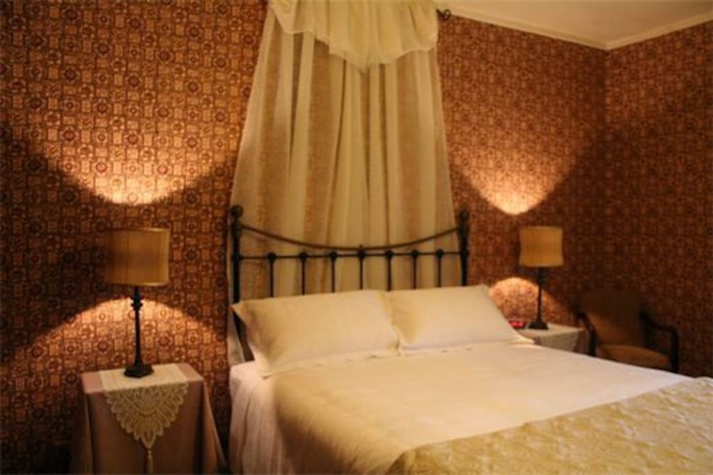 Comfy Queen bed, linen, towels and bathrobes included.