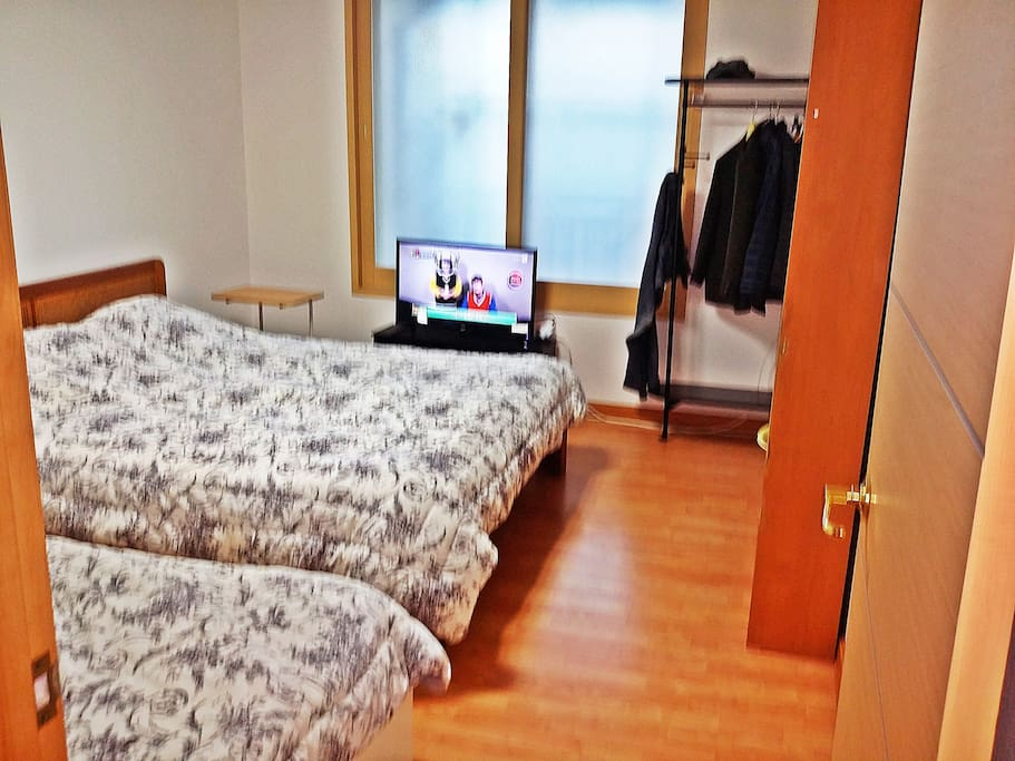 #1 Twin room