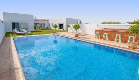 Luxury modern home with pool in Seville Province