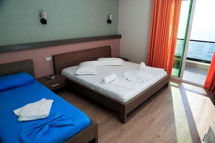 Triple Room with Sea View @ Hotel Picasso