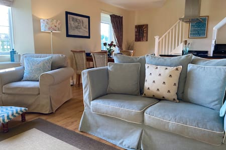 Bumblebee Cottage near Warkworth 4* Gold Award