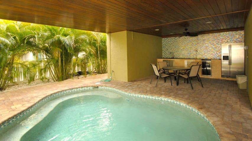 Anna Maria Island Villa #215884