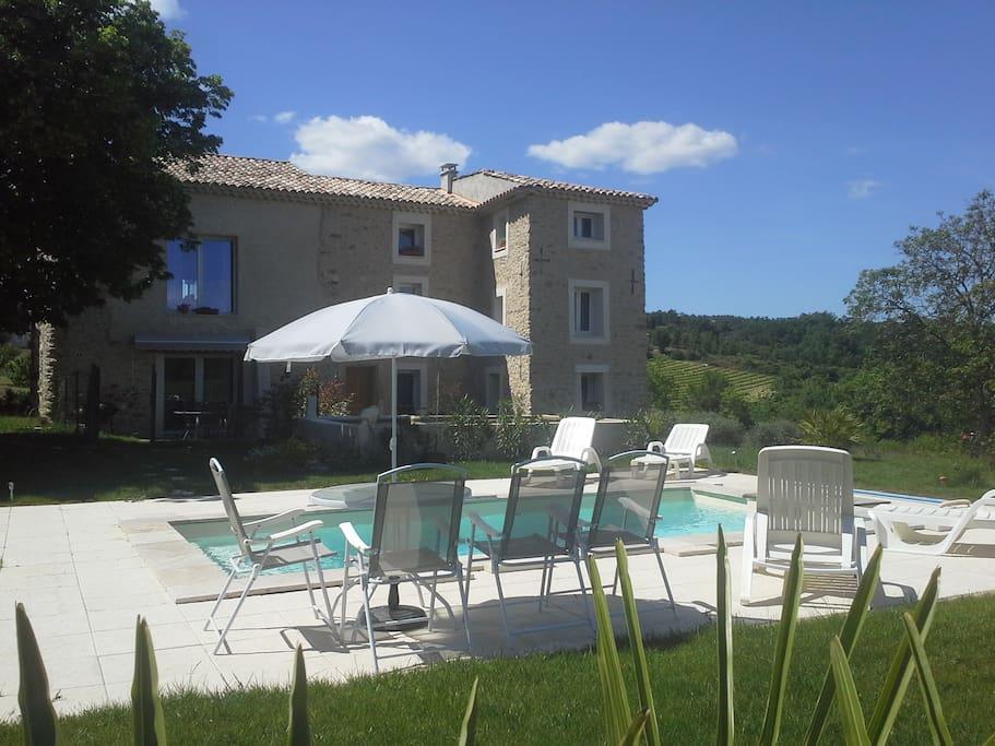 G te camaurel flats for rent in pierrevert provence for Piscine pierrevert