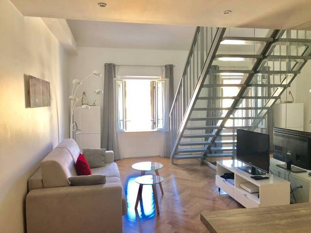 Beautiful duplex ideally located in the heart of Cannes