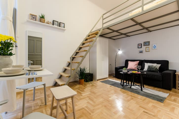 Loft Studio in the Heart of Budapest - Будапешт - Квартира
