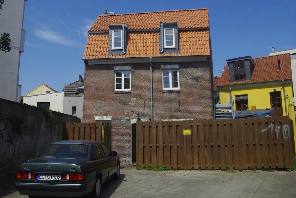 sch ne sanierte altbauwohnung h user zur miete in oldenburg niedersachsen deutschland. Black Bedroom Furniture Sets. Home Design Ideas