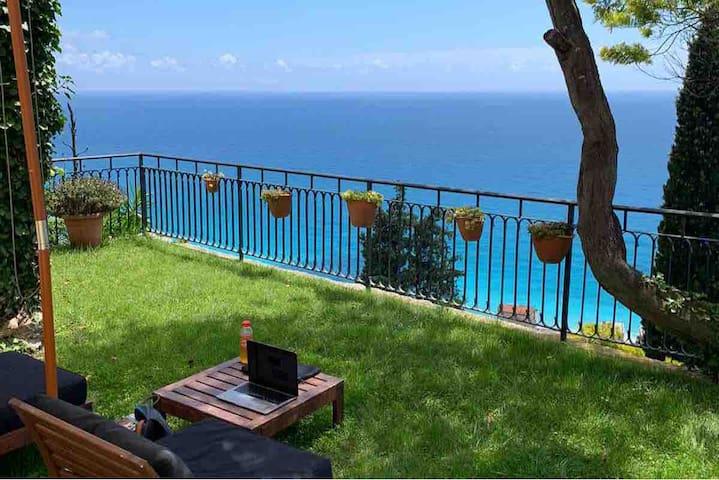 La Casa di Chien. Villa with garden and parking