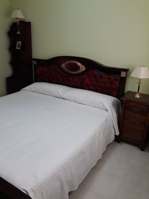 Matrimonio Bed Uk : Habitación de matrimonio en toledo baño compartido