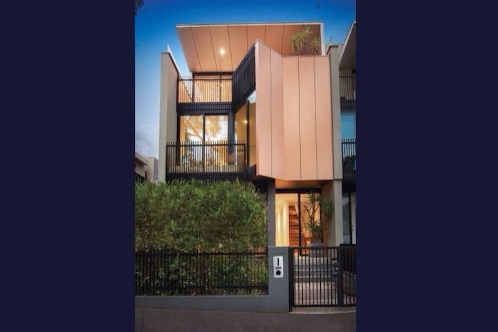Brilliant Location, Hotel Style - South Melbourne - Casa