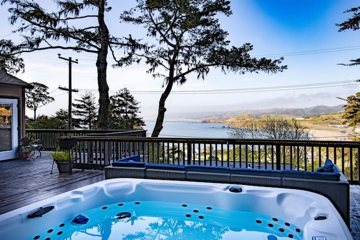Pedro Point Beach House | San Fran Airport West | Laundry + Parking + Hot Tub