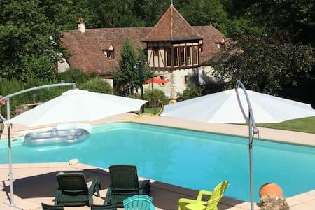 Ancien moulin du 17iem près de Rocamadour Padirac - Lavergne