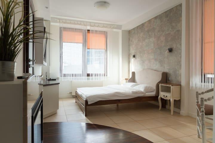 Warsaw Spire Luxury Apartment 4 Bedrooms - Warszawa - Apartment