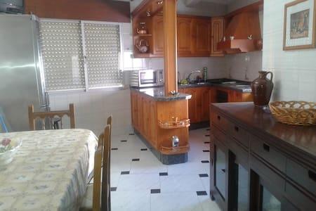 Piso tres dormitorios - Villafranca de Córdoba