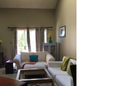 Cozy living with city style - Mount Laurel