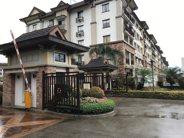 large 1 bedroom @ one oasis davao