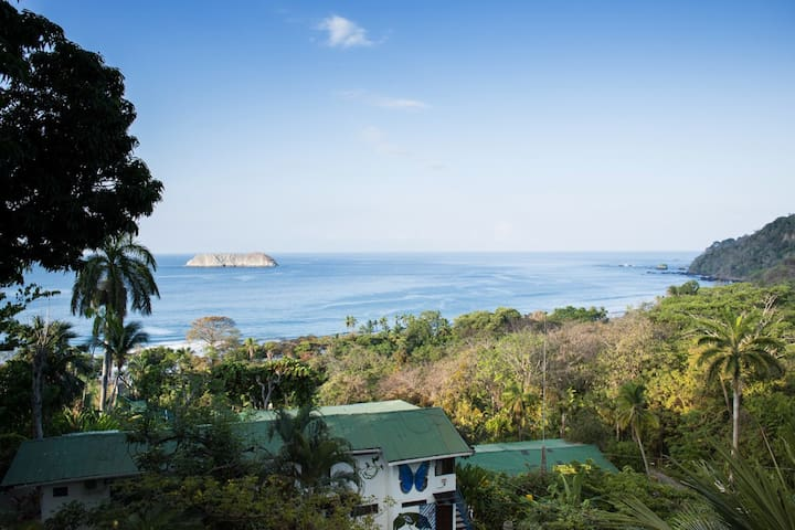 Family room in Manuel Antonio > Ocean View > Pool