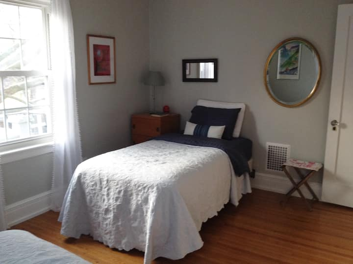 Serenity in the City: The Thoreau Room (2 Twins)