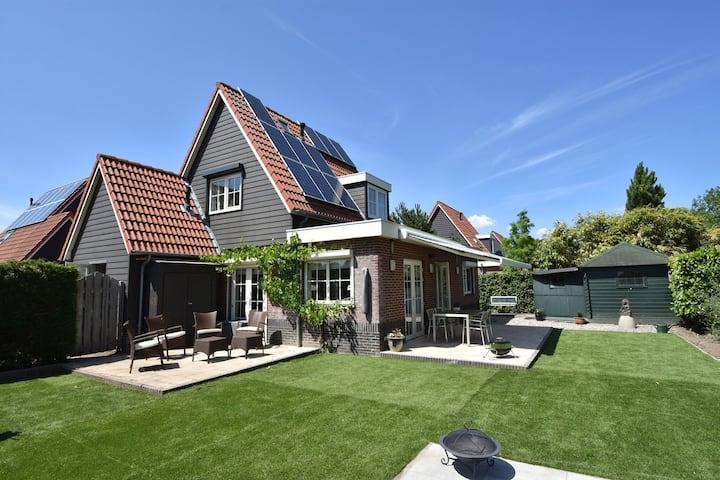 Sfeervol vakantiehuis in Oude-Tonge met een tuin