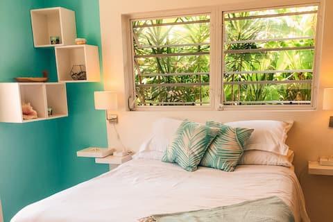 NOVO - Cosy Island Style Boho-Chic Seagrape Studio