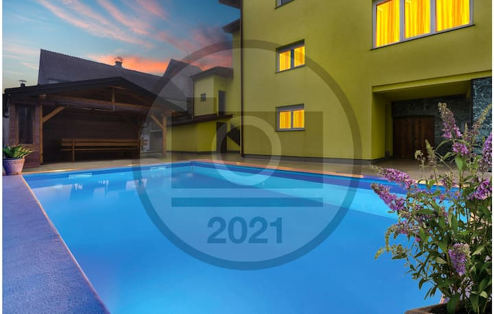 Beautiful home in Zagreb with Outdoor swimming pool and 3 Bedrooms