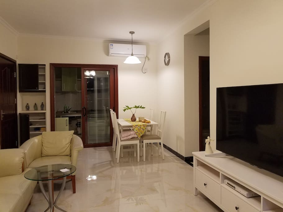 可共用的客饭厅 Sharing dining room and living room