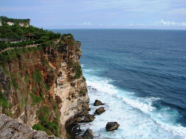 Visit around: Amazing view from Uluwatu temple