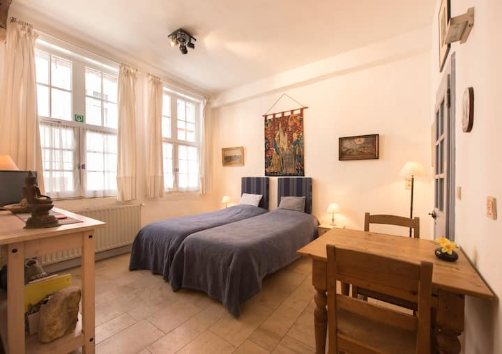 Charming studio near canal/deal:2nights+1 free/4+2