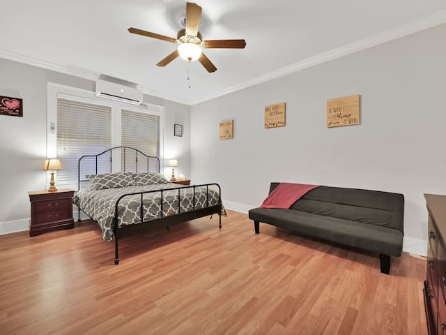 ★Couples/Work-Private DT 1 BD + Sleeper!★163