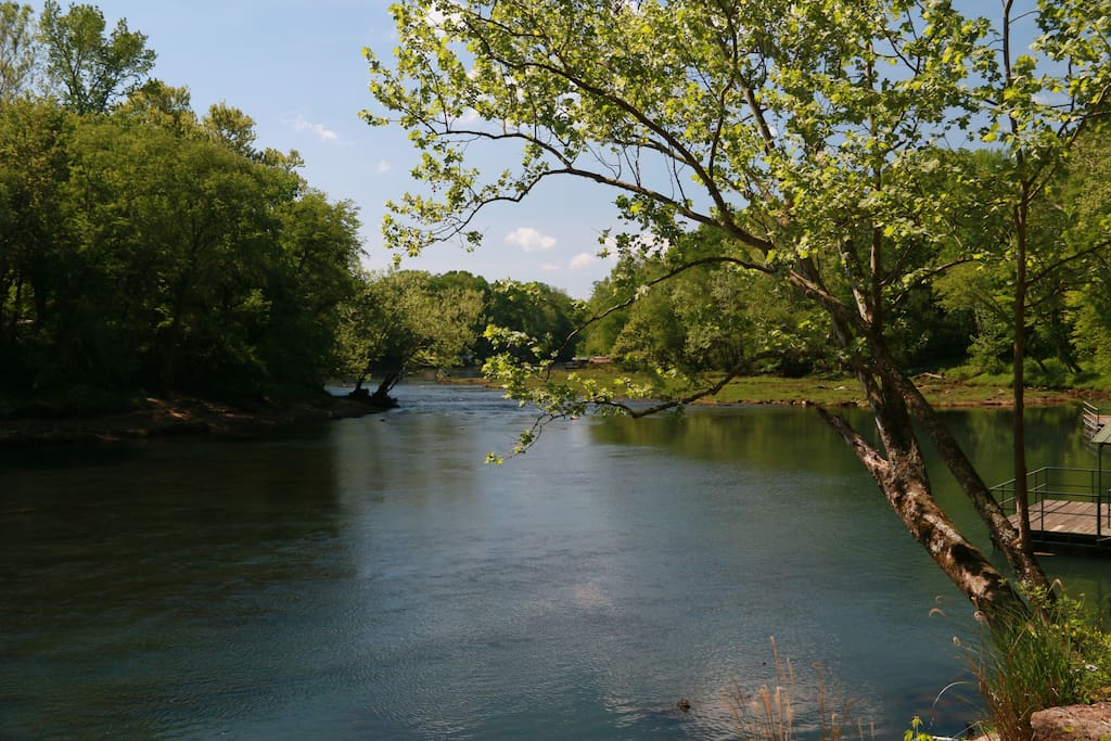 View of the Little Red River Bend. Shallow water all the way to the shoal.