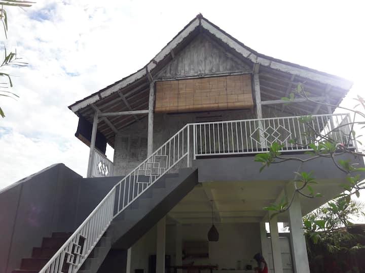 Mylaku classic wooden house in hidden Paradise