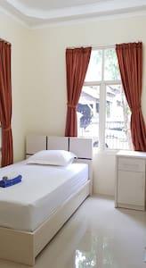 Guest House Anugerah Banjarmasin (Single Room A)