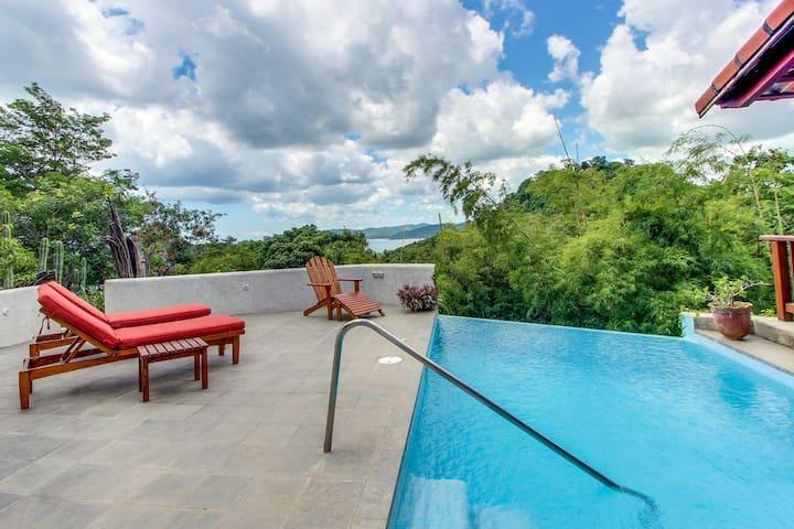 Casa Cielo Azul - Gated, private pool & beach