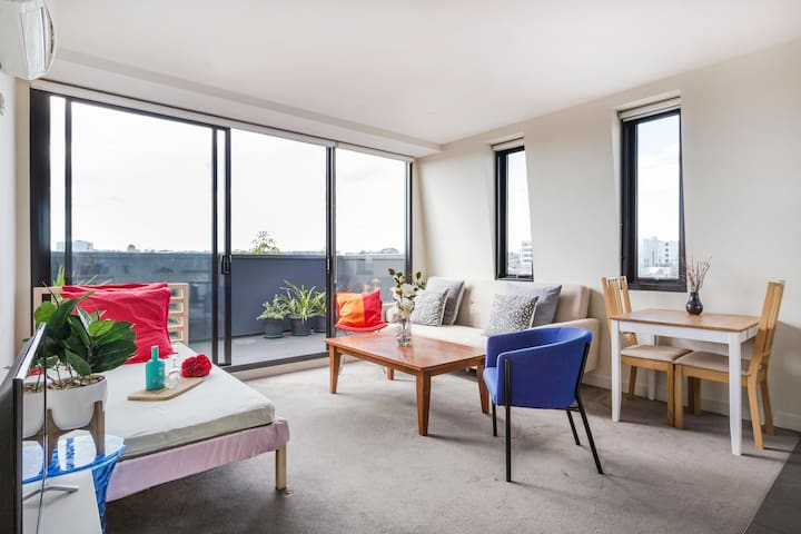 Modern apartment in Richmond 10 mins to CBD