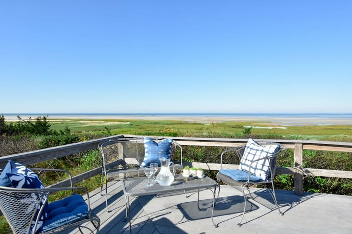 #538: Waterfront on Cape Cod Bay, Private Beach, Foosball Table, Fire Pit & A/C!