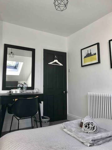 Double Room with dressing table and hanging space