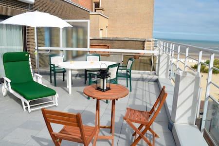 Penthouse vue mer 1 chambre, terrasse et garage