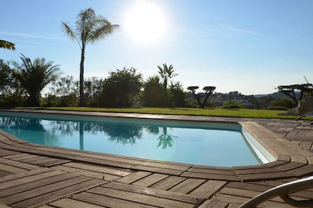 Villa / apartment 100m2 Panoramic view with pool - La Gaude - Casa