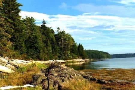 Charming Waterfront Retreat