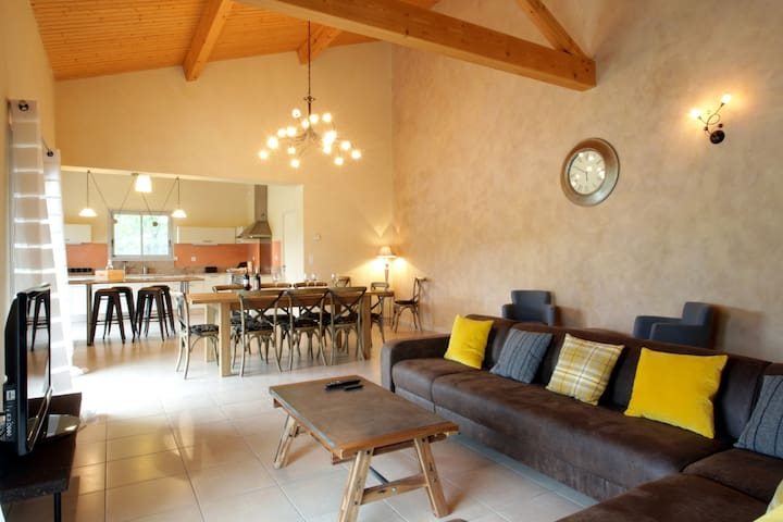Couiza, Carcassonne, luxury holiday house and pool