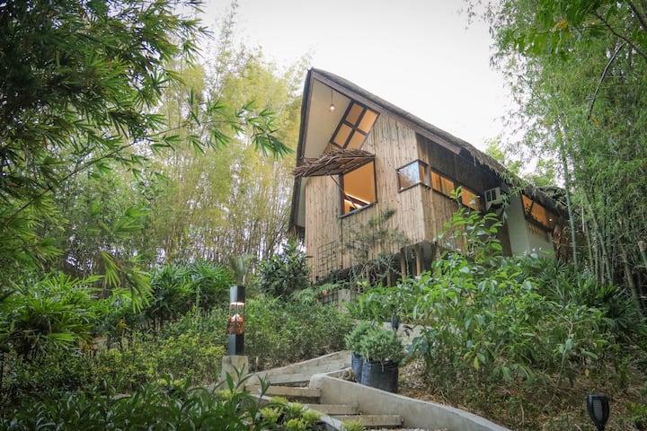 Cozy Farm-Garden Cottage in Batangas