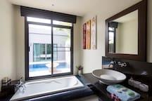 Pool Villa Vita 3BR Naiharn Beach