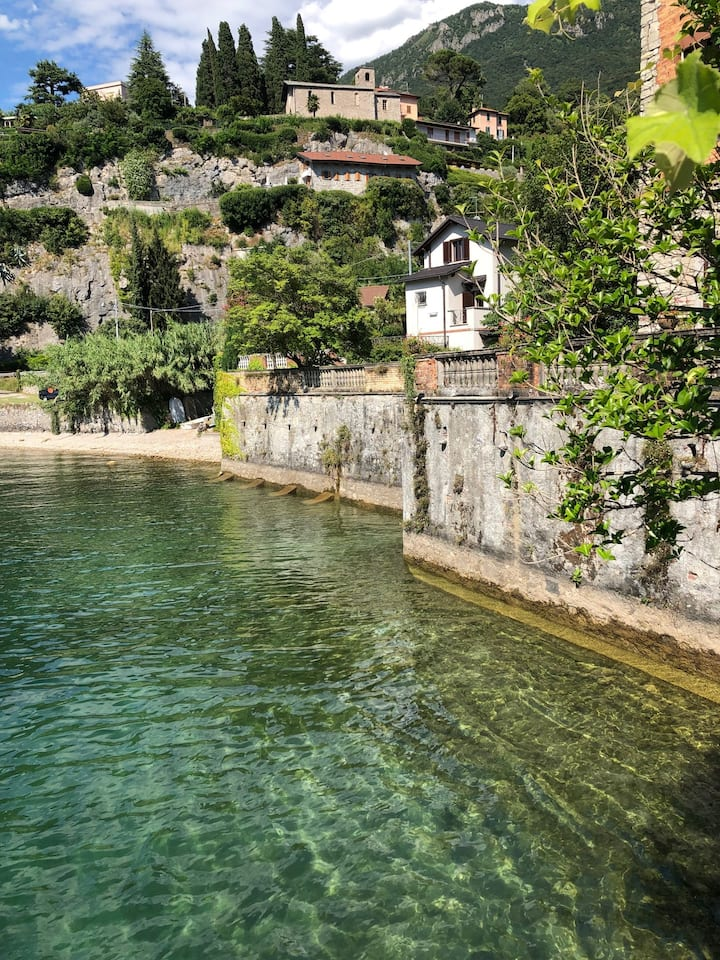 A slice of paradise along lake Como