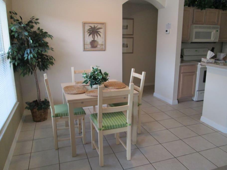 Kitchen/Breakfast nook.