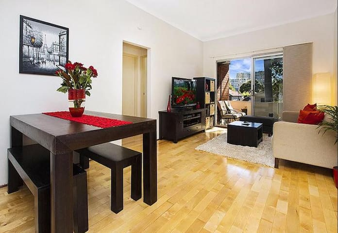 Immaculate unit - Convenient location - Kogarah - Apartamento