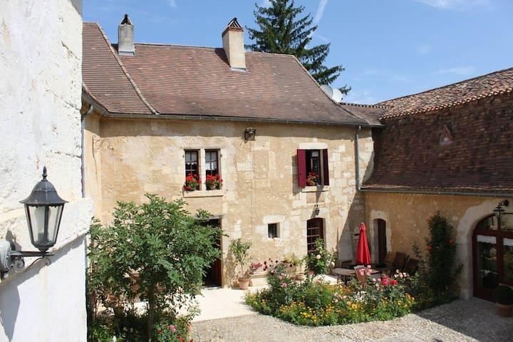 La Bastide du Roy - Villamblard - Gæstehus