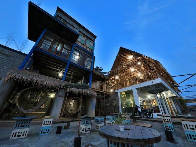 Imah Jandela 2 di Bukit Saung Bambu