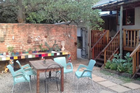 Spacious room in a lovely house in Melville - Johannesburg
