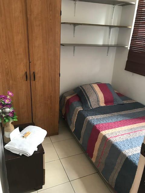 Habitación independiente baño privado