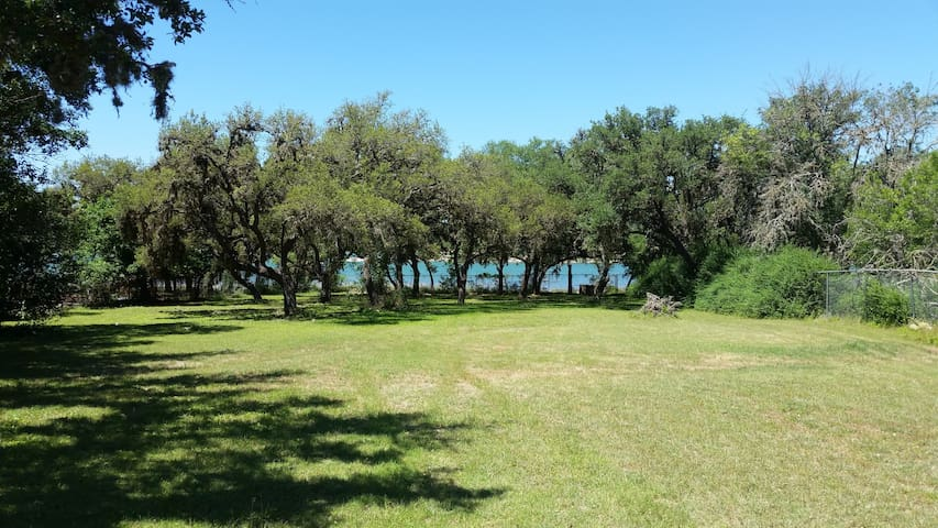 3-2 WATERFRONT home on 1 acre fenced yard